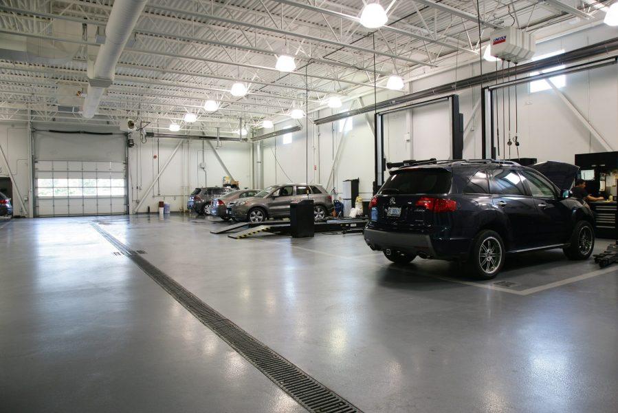 Commercial_Oakville_Acura_1525 North Service_5-min